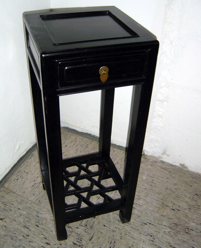 Tisch 8